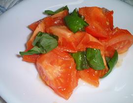 焼きトマトのバジル風味