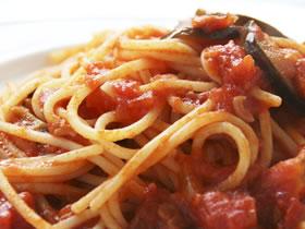 なすとベーコンのトマトソーススパゲッティー